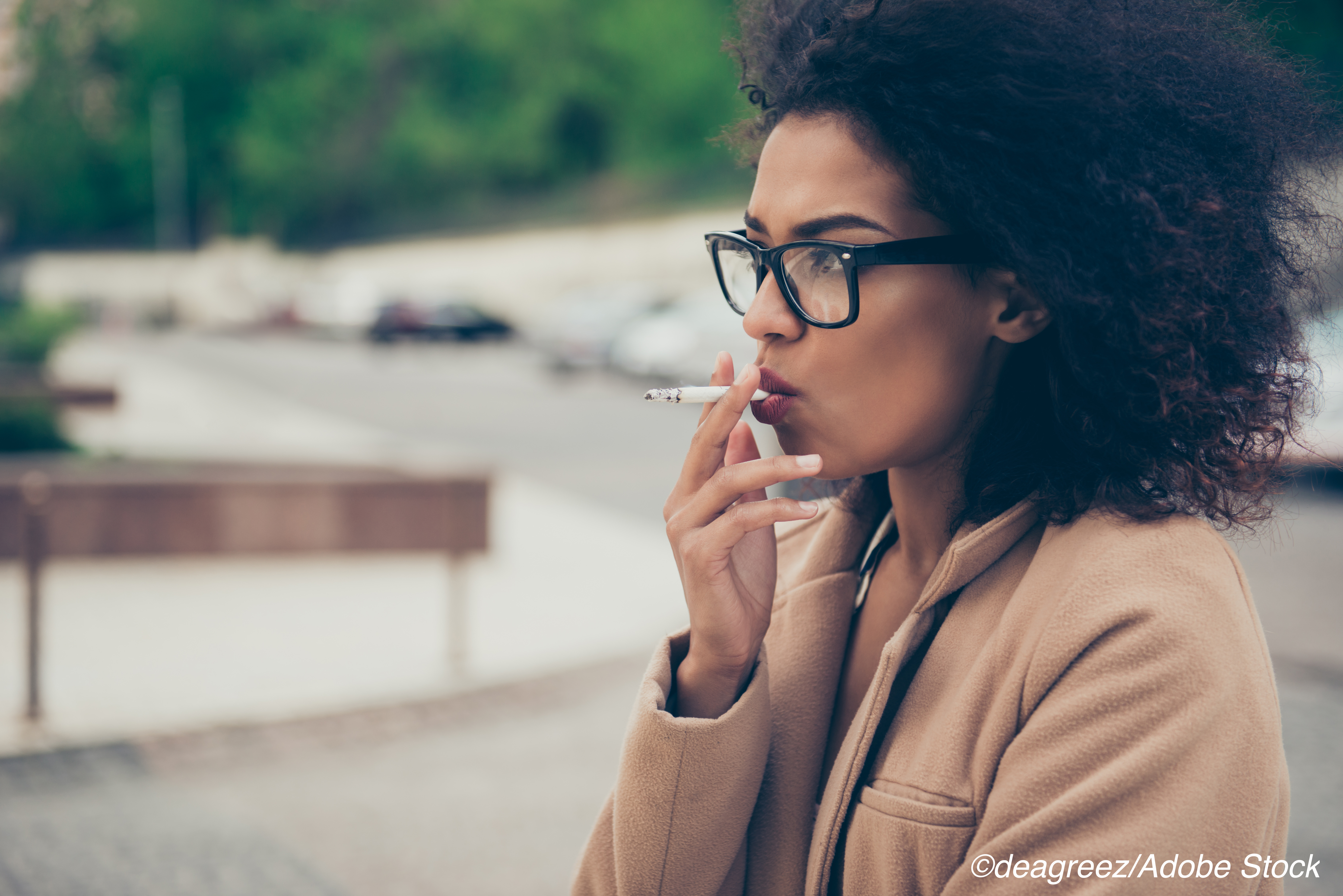 Female Smokers Frequently Avoid Cancer Screenings
